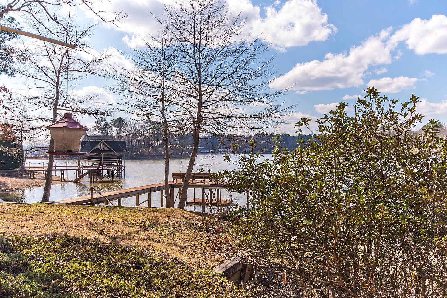 Lake martin al waterfront homes for sale sandy creek 104 for Sandy creek