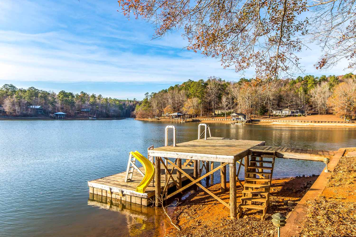 Lake martin al waterfront homes for sale 2406 cedar creek for Ceader creek