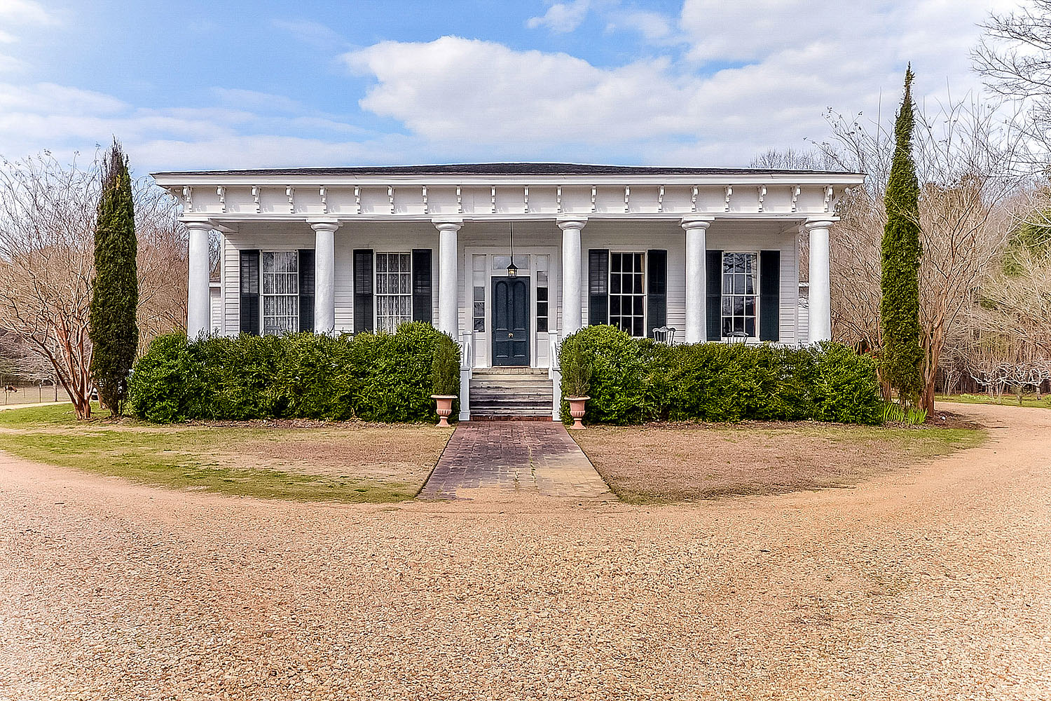 Montgomery al historic homes for sale ranch acreage for Historic homes for sale in alabama